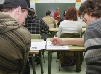 jóvenes en una clase