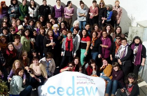 Foto de grupo de mujeres de CEDAW Sombra