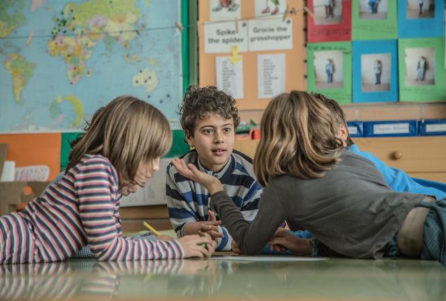 Imagen de unos niños en una clase