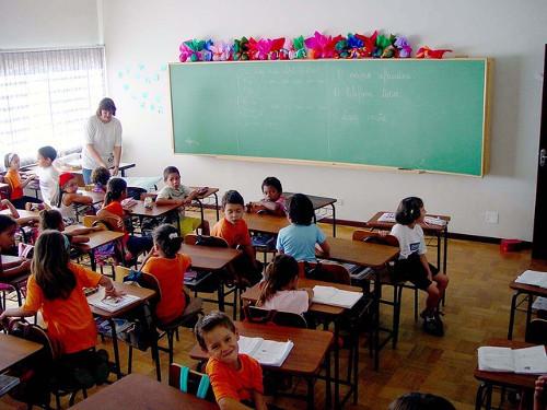 Imagen de niños en una clase