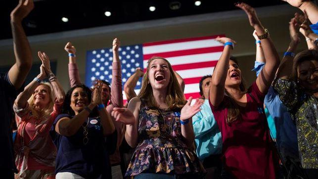 Imagen de un grupo de mujeres en un mitin en EEUU