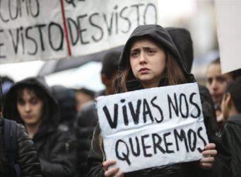 Imagen de una manifestante en Buenos Aires