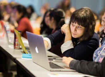 Imagen de varias mujeres en un evento de Google