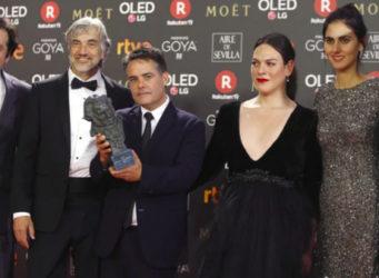 elenco de la película recogiendo el Goya