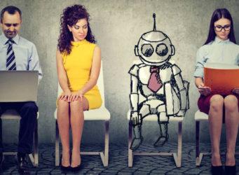 imagen de tres trabajadores y un dibujo de un robot