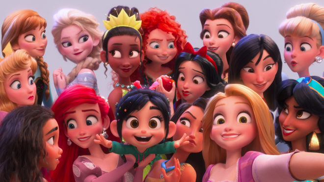 """Imagen de Vanellope y las princesas Disney haciéndose un """"selfie"""""""