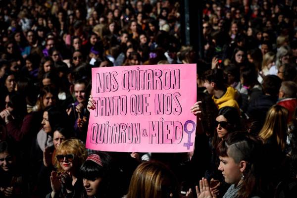 Imagen de un cartel en una manifestación feminista