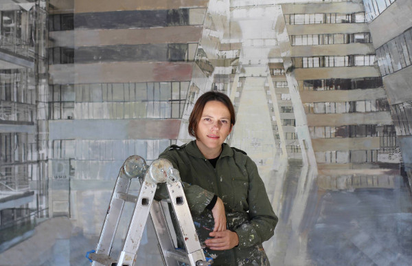 Imagen de la pintora Bea Sarrias