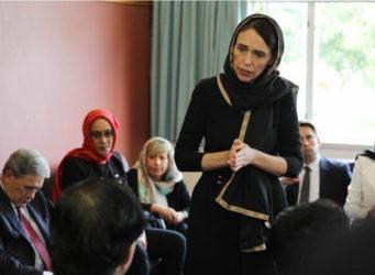 La presidenta Jacinda Ardern en un encuentro comunidad musulmana de Christchurch