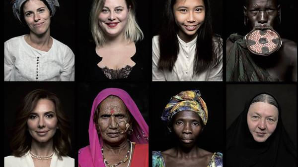 Mosaico con algunas de las protagonistas de Woman