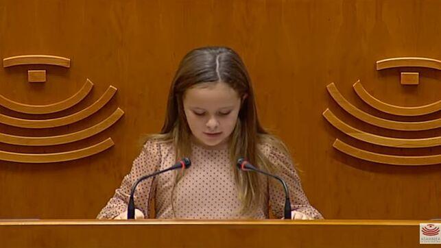 imagen de Elsa en la Asamblea de Extremadura