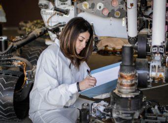 la ingeniera aeroespacial Diana Trujillo