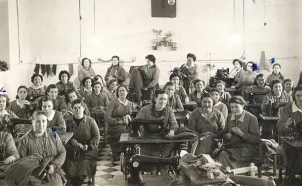 grupo de mujeres en la cárcel de Segovia