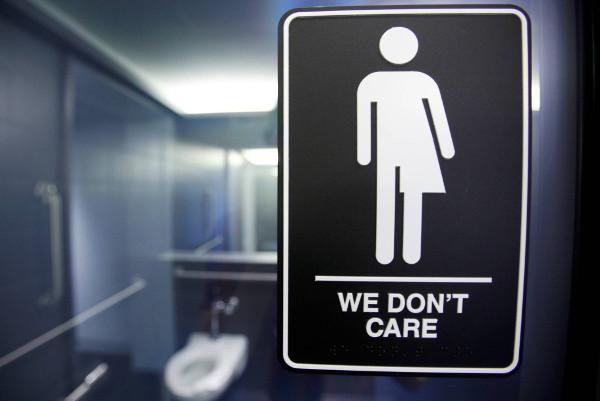 cartel de un servicio unisex con el texto We dont care (no nos importa)