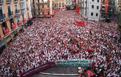 Imagen de la concentración contra la violencia machista en sanfermines