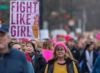 Imagen de una manifestación con el cartel Fight like girl
