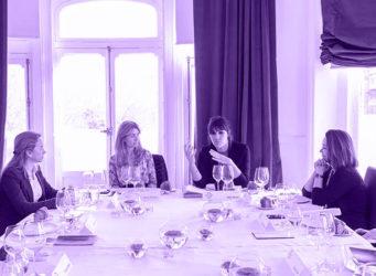 mesa de almuerzo de las directivas