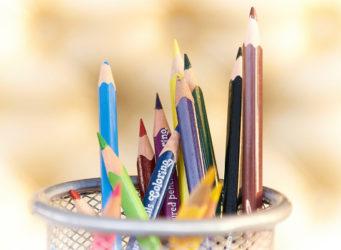imagen de un vaso con lápices
