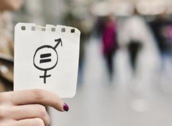 símbolo de igualdad dibujado en un papel