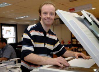 Javier, trabajador de la Fundación Adecco