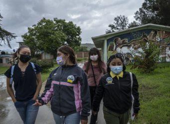 estudiantes de una escuela normal rural de Mexico